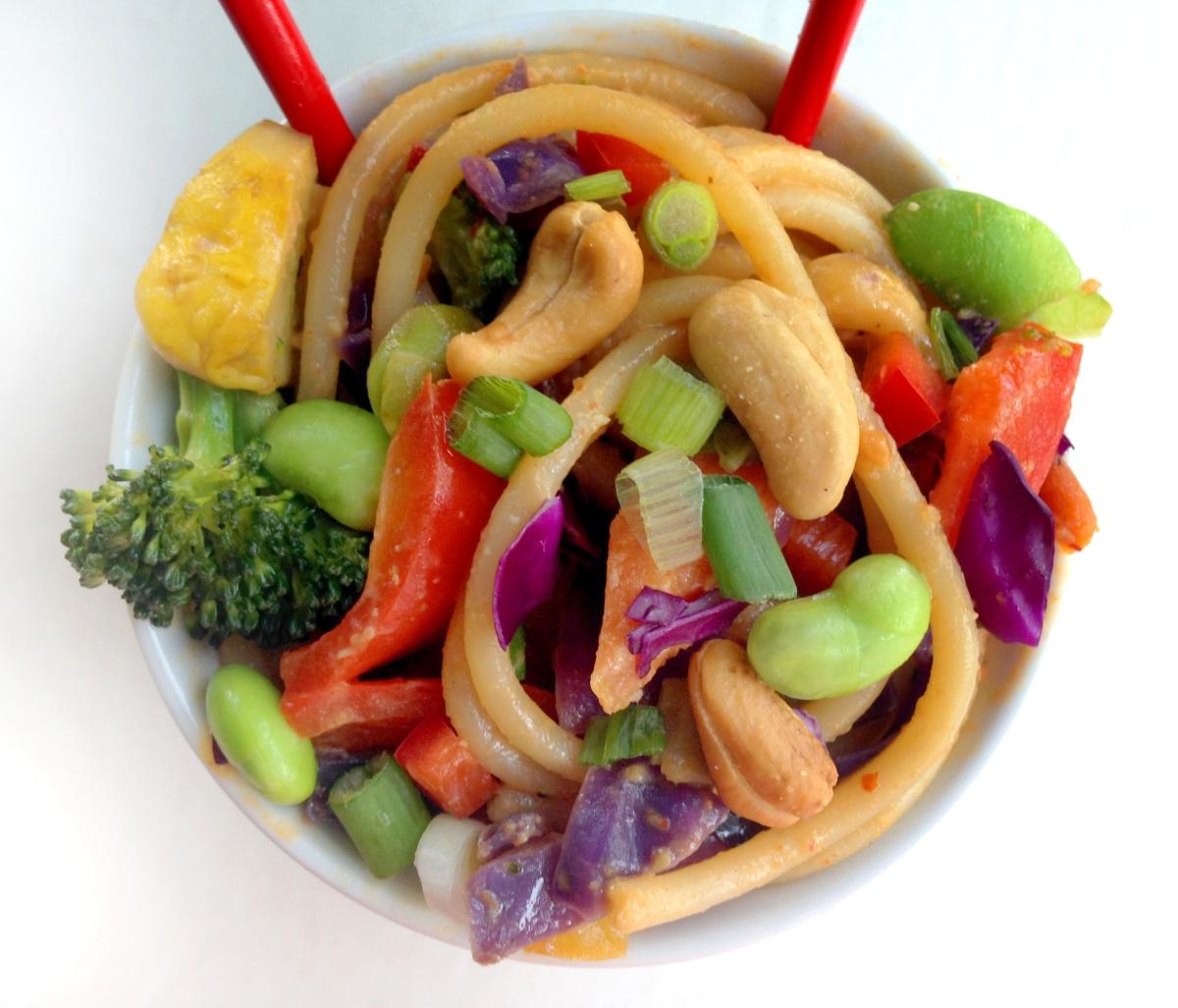 Vegan Garden Veggie Spicy Thai Peanut Noodles With -2585