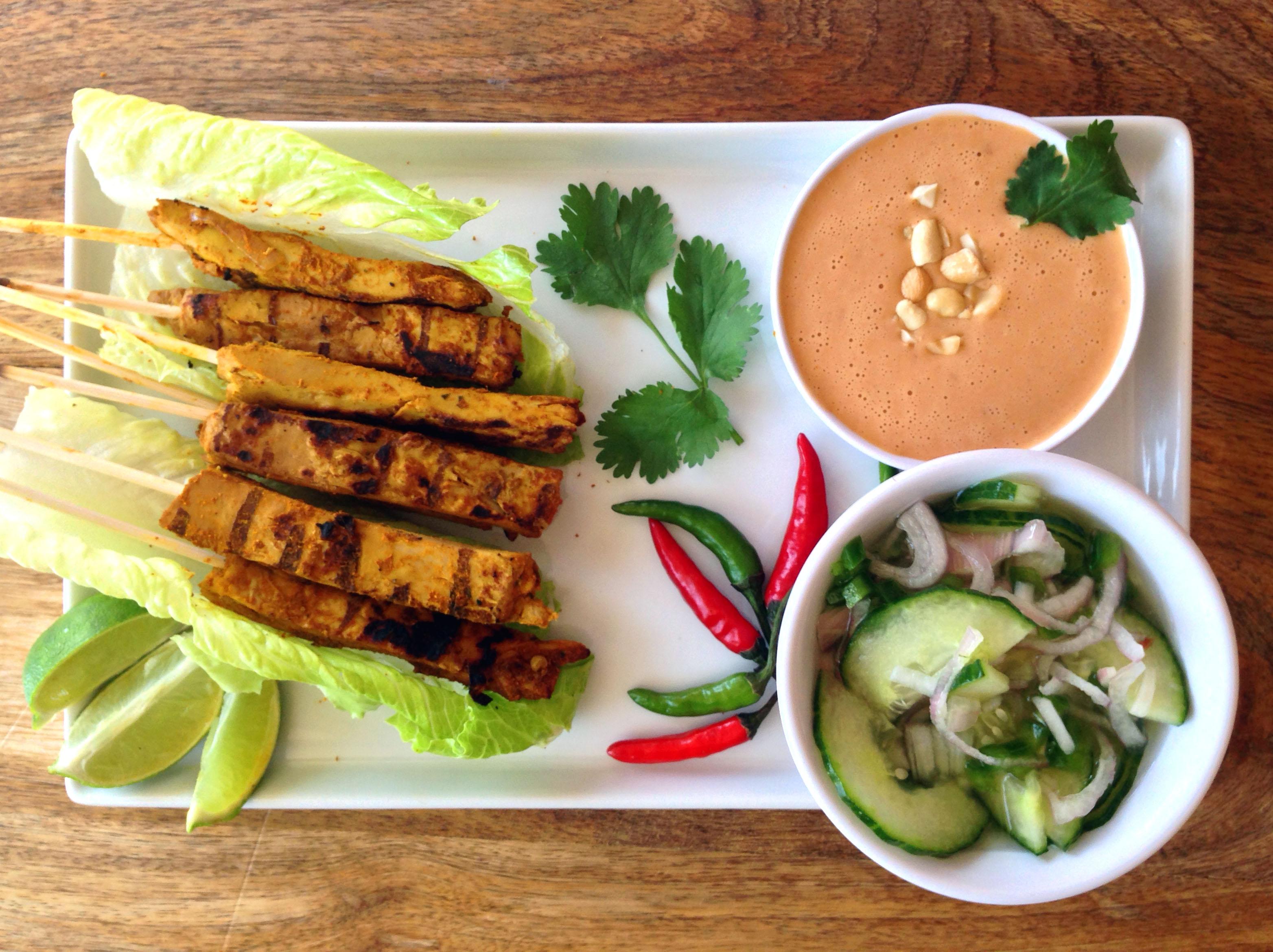 Thai style vegan chicken satay skewers with peanut dipping sauce and 4 16 15 73 thai style vegan chicken satay forumfinder Images